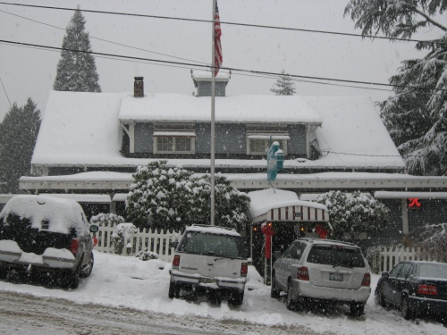 Roanoke Inn in snow, Mercer Island